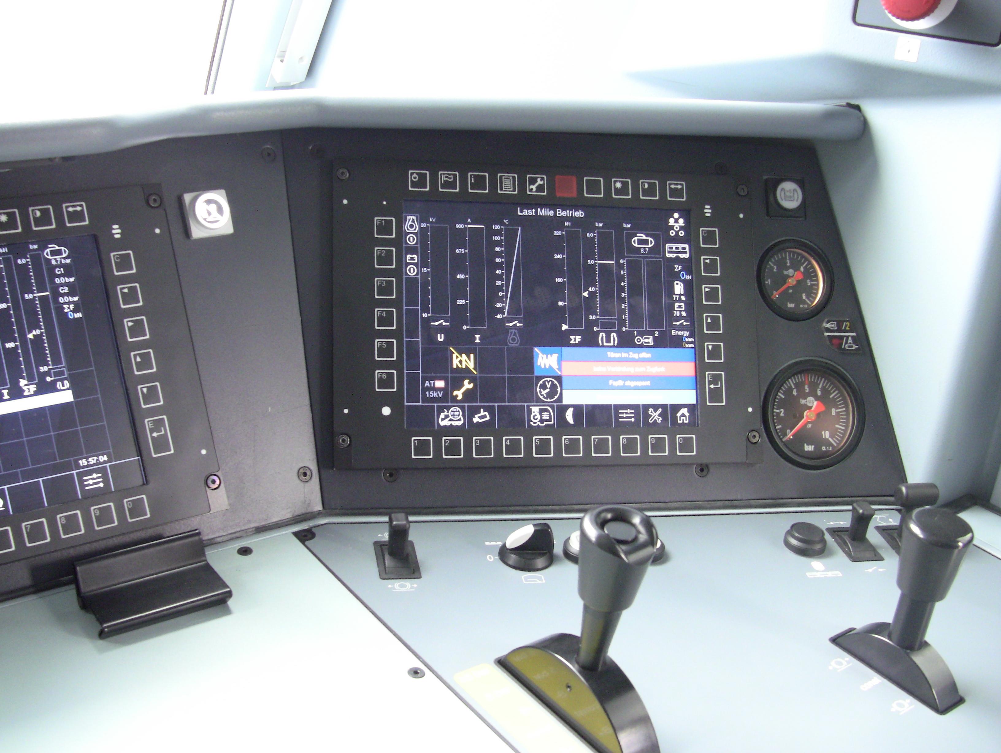 Bombardier Traxx - kabina strojvůdce