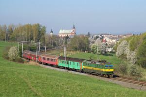 162.005-3 na Os 3202 ve Hranicích na Moravě, 22.4.2007. Zdroj: ŽelPage, Autor: Jan Lachnit